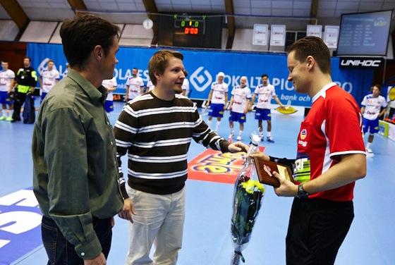Mikko Alakare kukitettiin pari viikkoa sitten Salibandyliigan ottelussa. Kuva: Olli Laukkanen