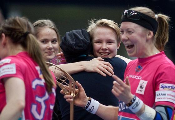 """Pöllänen tuntee Tampereella olevansa aidosti """"Familyssa"""". Kuva: Salibandyliiga"""