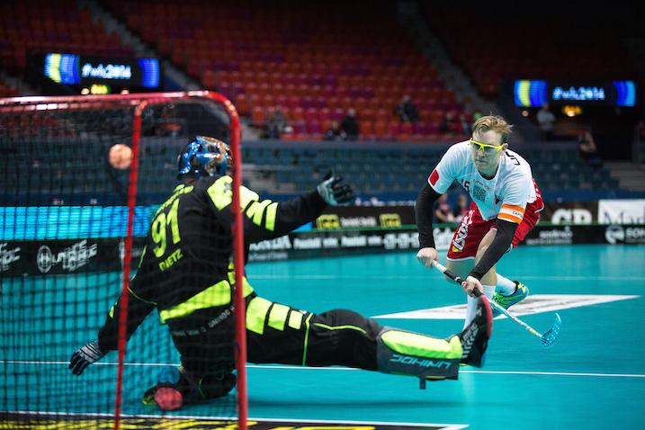 Brian Nielsen varmisti rankkarillaan Tanskan pääsyn puolivälieriin. Kuva: IFF.