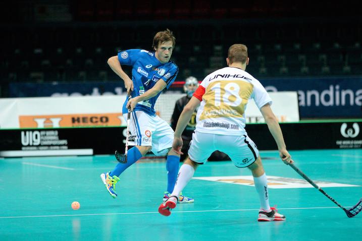 Risto Töllikkö tehoili MM-kisadebyytissään neljän maalisyötön edestä. Kuva: IFF.