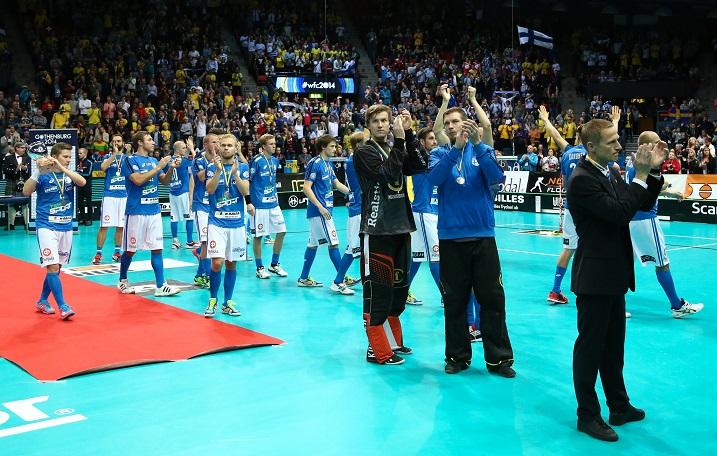 Pitkänhuiskea Eero Kosonen vakuutti Pääkallo.fi:n toimituksen MM-kisoissa ja voitti kallopörssin lähes ylivoimaisella erolla seuraavaan. Kuva: Salibandyliiga