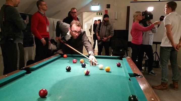 Pelaajia kävi morjestamassa myös Salibandyliiton väistyvä puheenjohtaja Mika Kaltala.