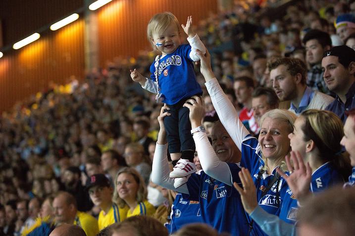 Suomen ja Ruotsin välistä MM-finaalia seurasi paikan päällä yli 12 000 katsojaa. Kuva: IFF