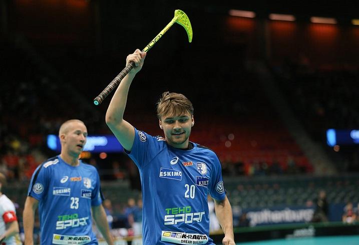Tässä Saksan reppua heiluttava Nico Salo pääsi tuulettamaan myös Ruotsia vastaan.  Kuva: Salibandyliiga
