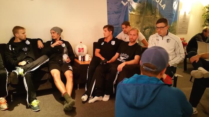 Suomen pelaajilla on aikaa ottaa rennosti. Perjantaina vieraaksi saapui median lisäksi myös pelaajien läheisiä.