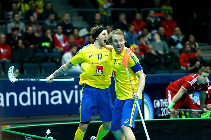 Rasmus Enström ja Johan Samuelsson nähdään salibandyn MM-kisojen finaalissa. Kuva: IFF