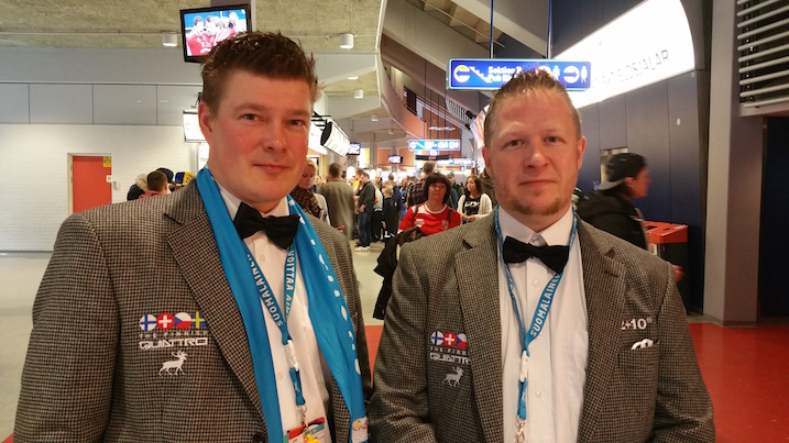 Entiset huipputuomarit Tommi Riihimäki ja Juha Sirkka eivät uskoneet Suomen mahdollisuuksiin. Finaalin pesukone päättyy heidän mukaansa tilanteessa 9–3. He perustelivat veikkaustaan sillä, että Ruotsi oli omassa välierässään vapautunut, kun taas Suomella oli vaikeaa.