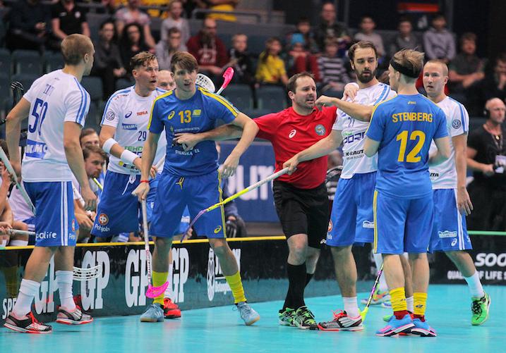 Suomen ja Ruotsin välistä alkusarjaottelua seurasi huikeat 10 414 katsojaa. Kuva: IFF