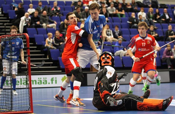 Suomi ja Tshekki kohtasivat viimeksi Hämeenlinnan EFT-turnauksessa lokakuun lopussa. Suomi voitti ottelun 6-9. Kuva: Salibandyliiga