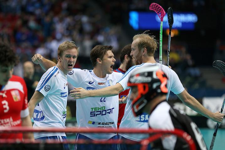 Jani Kukkolan johtama Suomen ykkösketju oli Tshekkiä vastaan mukana niin hyvässä kuin pahassa. Kuva: IFF