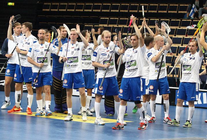 Pääkallo.fi seuraa kisoja herkeämättä usean miehen voimin niin paikan päältä kuin kotitoimituksesta. Kuva: Salibandyliiga