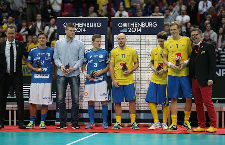 Ruotsin Kim Nilsson (nro 7) valittiin MM-turnauksen arvokkaimmaksi pelaajaksi. Nilsson nappasi tittelin myös kaksi vuotta sitten Zürichin kisoissa. Kuva: Salibandyliiga