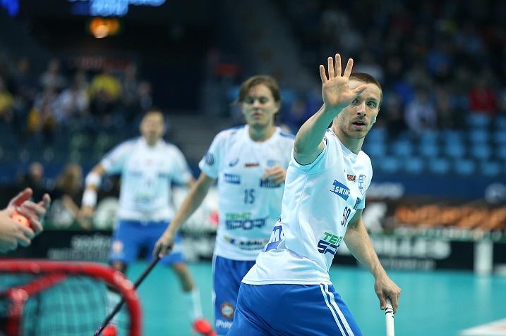 Tero Tiitu syötti Miko Kailialan toisen osuman Tshekkiä vastaan. Kuva: IFF