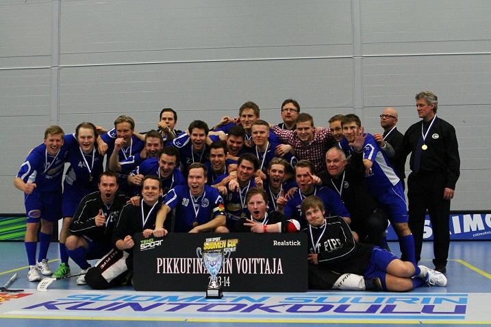 Vielä viime kaudella kakkosdivisioonassa pelannut Erä Akatemia juhli pikkufinaalin voittoa vuosi sitten. Tällä kaudella joukkue pelaa miesten Divarissa. Kuva: Salibandyliiga