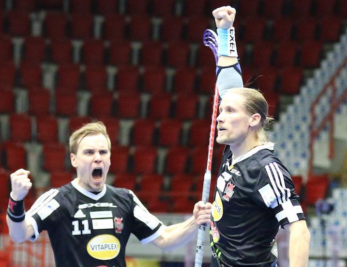 Mikael Järvi (oik.) keräsi Suomen Cupin finaalissa tehot 1+1. Kuva: Juhani Järvenpää