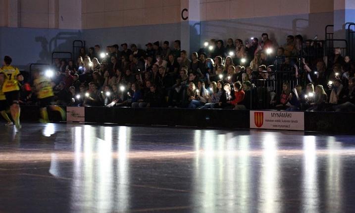 Otsalamput loistivat SBS Wirmon kotiottelussa. Kuva: Jarmo Jokila