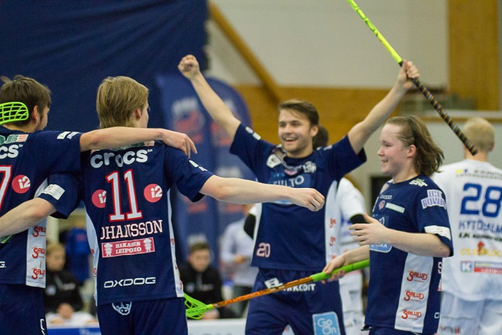 Tämän kuvan pelimannit mahtuivat Pääkallo.fi:n valitsemaan 2016 vuoden MM-joukkueeseen.  Sami Johansson ja Krister Savonen olisivat mukana ensikertalaisina. Kuva: Topi Naskali