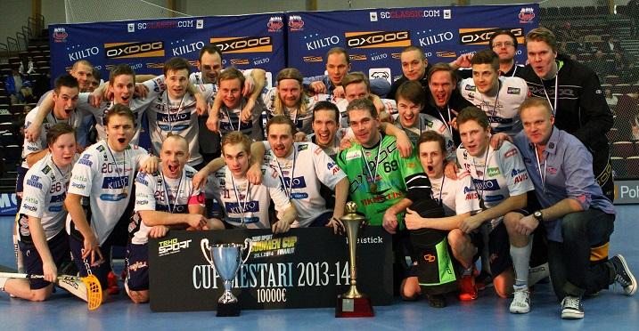 SC Classic voitti viime vuonna miesten Suomen Cupin. Tänään se kohtaa välierissä yllätysvoittoja ottaneen FBC Turun. Kuva: Salibandyliiga