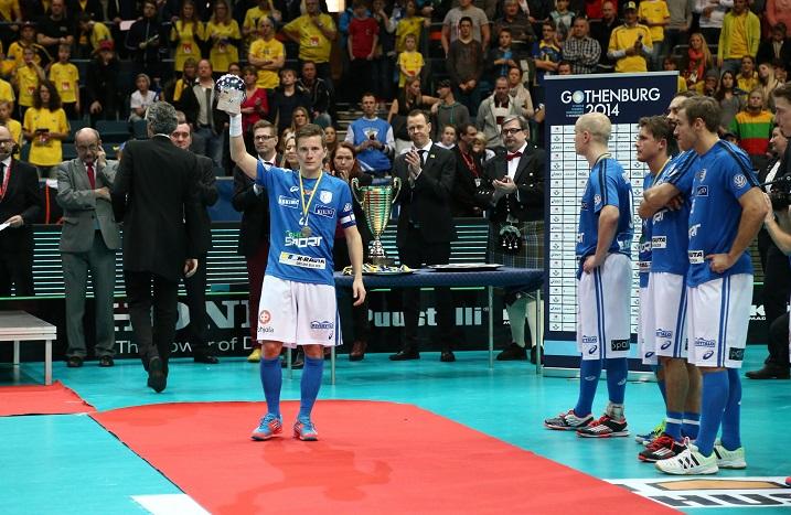 Tatu Väänänen on Suomen maajoukkueen kapteeni. Kuva: Salibandyliiga