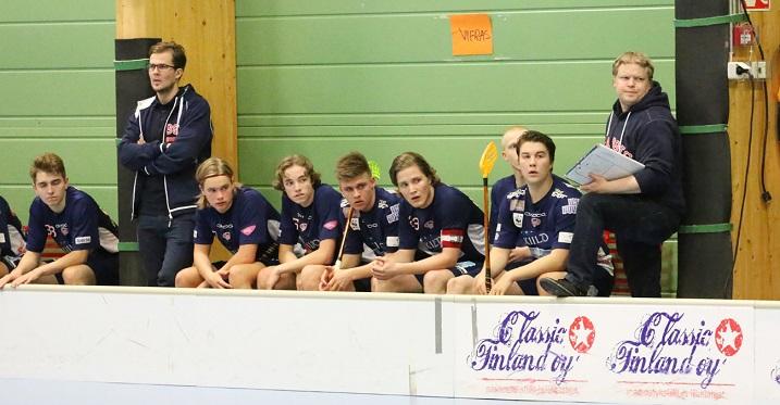 Simo Ruuskasen (ensimmäinen oik.) luotsaama Classic hävisi syksyn aikana vain kolmesti. Kuva: Esa Takalo.