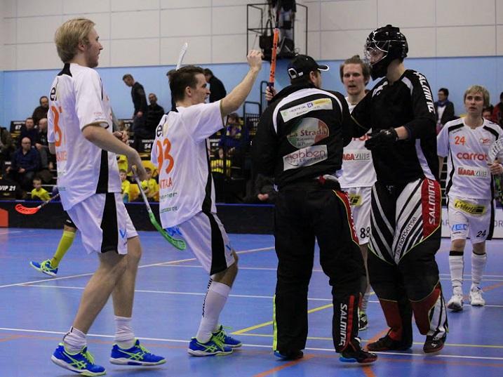 B-juniori-ikäinen Anton Kronqvist olis Wirmon ja SB Vaasan välisen pelin todellinen yllättäjä. Kronqvist pelasi ottelussa kaikkiaan 29 minuuttia, eikä päästänyt maaliakaan selkänsä taakse. Kuva: Jarmo Jokila