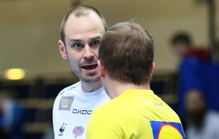 Mika Savolainen tuomittiin jo kauden toiseen kolmen ottelun pelikieltoon. Kuva: Juhani Järvenpää