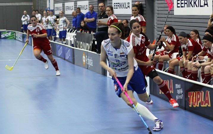 Suomi ja Sveitsi kohtaavat naisten MM-kisojen alkulohkovaiheessa ensi joulukuussa. Arkistokuva: Salibandyliiga