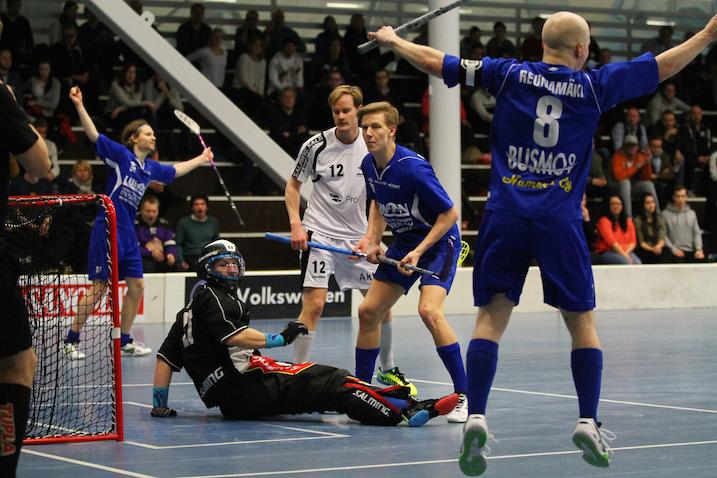 M-Team juhli välieräpaikkaansa tänään Ruskeasuolla. Kuva: Juhani Järvenpää.