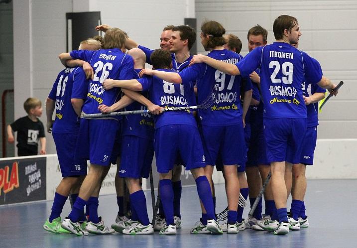 M-Team kohtaa Divarin välierissä Loviisan. Kuva: Juhani Järvenpää