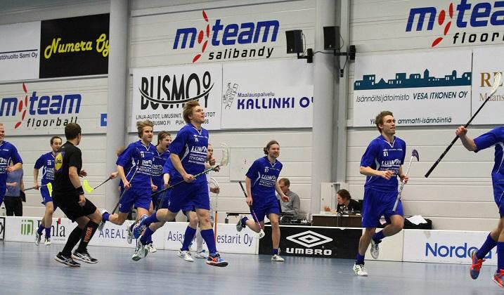 M-Team pelaa miesten Divarin finaaleissa. Kuva: Juhani Järvenpää