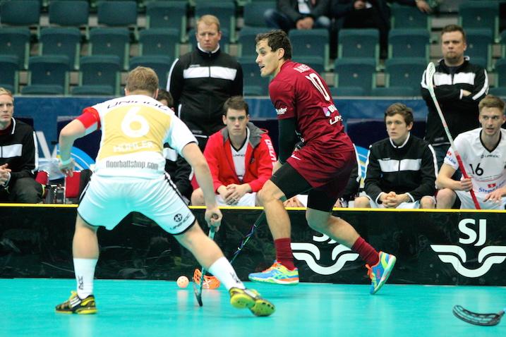 Iivo Pantzar (oikealla penkin takana) toimi MM-kisoissa Saksan kakkosvalmentajana. Kuva: IFF.