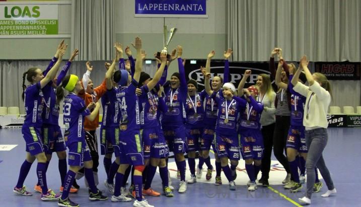 Lappeenrannan NST:n naisten hieno kausi päättyi voittoisaan pronssiotteluun. Kuva: Markku Taurama.