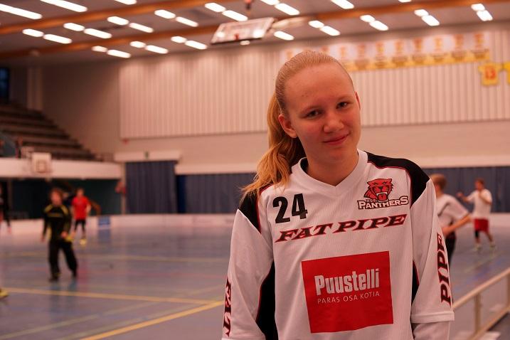Vuonna 2001 syntynyt Juulia Kataja on torjunut C2-tyttöjen SM-sarjan pudotuspeleissä jo yli 150 laukausta. Kuva: RSS Panthers