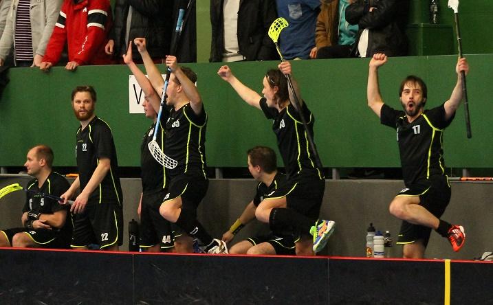 SC PirU nousi Divariin kaatamalla Rangersin suoraan kahdella voitolla. Kuva: Juhani Järvenpää (Kuva ottelusta HIFK-PirU)