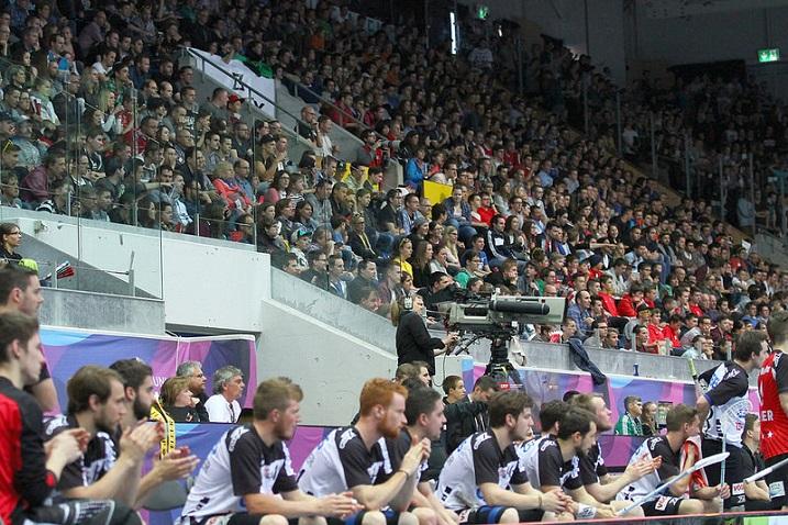 Sveitsiläiset kansoittivat Kolping Arenan lauantaina. Kuva: Juhani Järvenpää