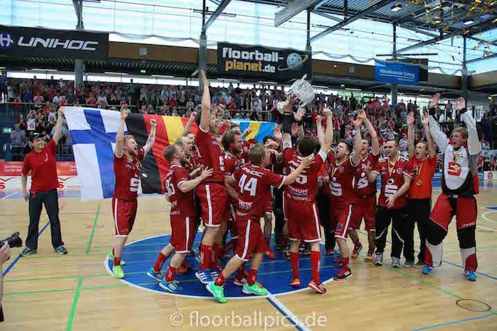 Viime vuonna UHC Weissenfels juhli Saksan mestaruutta. Tänään mestaruus on katkolla Red Devils Wernigerodelle. Kuva: Matthias Kuch / floorball-pics.de