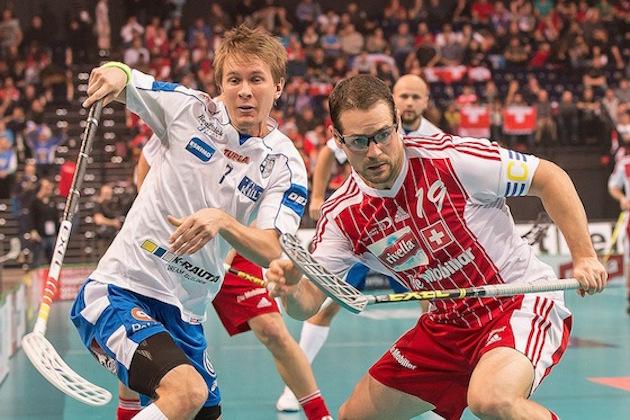 Harri Forsten kuului pitkään Suomen maajoukkueen vakiokalustoon. 47 maaottelussa hän on kerännyt 50 tehopistettä. Kuva: IFF