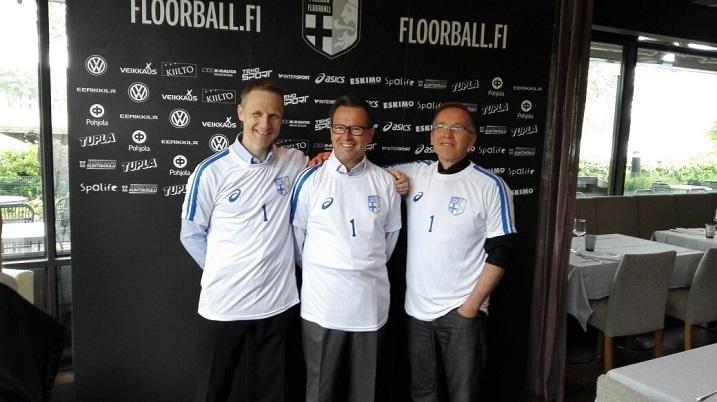 Vasemmalta oikealle: Petri Kettunen on uusi Salibandyliiton huippu-urheilujohtaja, Kari Lampinen uusi toiminnanjohtaja ja  Jari Kinnunen Yhteiskuntasuhteiden johtaja. Kuva: Ilkka Kittilä