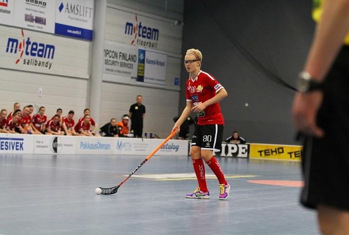 Taitava My Kippilä on pelannut 79 runkosarjan ottelua naisten Salibandyliigassa ja iskenyt niissä tehopisteet 38+64. Kuva: Juhani Järvenpää