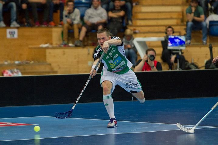 Tatu Väänänen arvostettiin Sveitsin liigan viime kauden arvokkaimmaksi pelaajaksi. Kuva: Topi Naskali