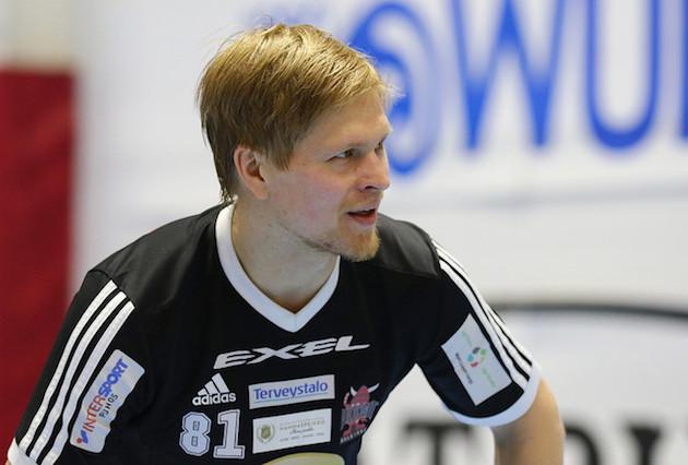 Rightin puolelta pelaavan Markus Olkkosen liigapelit on tiettävästi toistaiseksi pelattu. Kuva: Juhani Järvenpää
