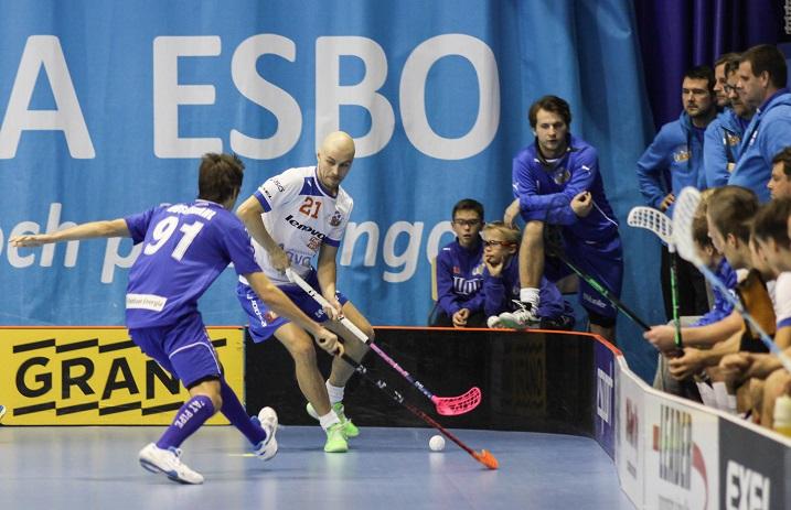 Toni Läntinen edusti viime kaudella Esport Oilersia. Kuva: Salibandyliiga