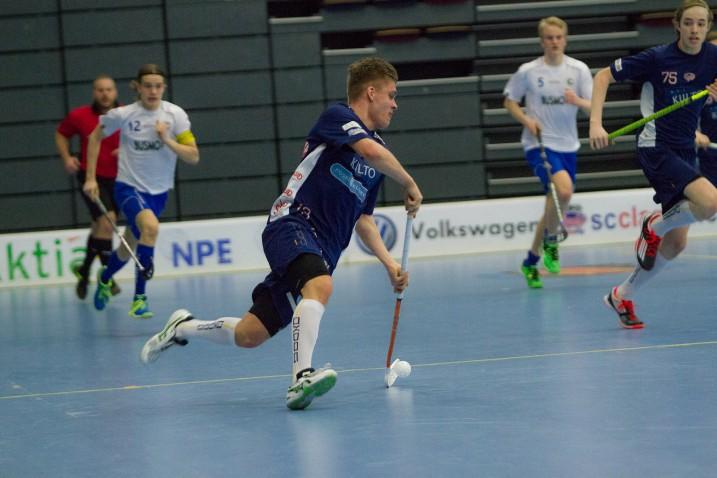 Classicin Oskari Heikkilä pelasi tehokkaasti nuorten pudotuspeleissä ja oli voittamassa joukkueen kanssa Suomen mestaruutta. Kuva: Salibandyliiga