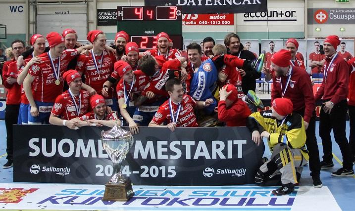 SPV juhli Suomen mestaruutta viime keväänä. Joukkue on yksi vahvoista ennakkosuosikeista myös tulevalla kaudella. Kuva: Mika Hilska
