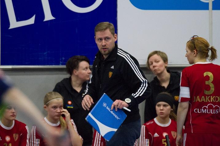 Kooveen ensi kauden joukkue on nyt selvillä. Matias Ramstedt jatkaa päävalmentajana. Kuva: Salibandyliiga