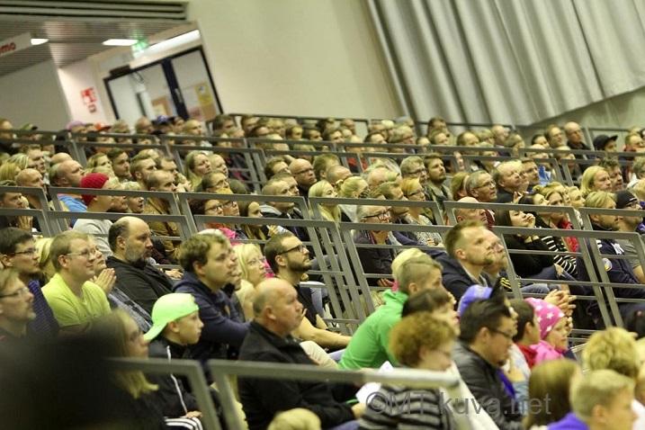 Yleisömäärä 1004 on NST:n uusi katsojaennätys. Kuva: Markku Taurama