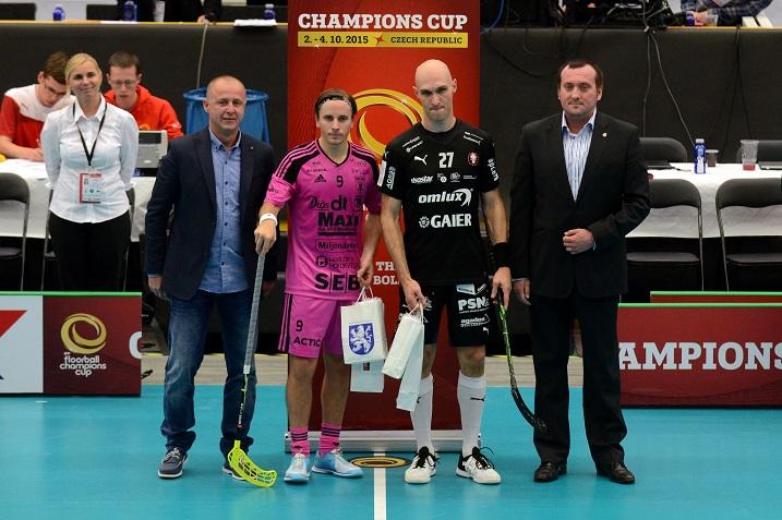 Tämän vuoden Champions Cupissa Alexander Galante Carlström (pinkissä paidassa) oli turnauksen tehokkain pistein 3+3. Kuva:IFF