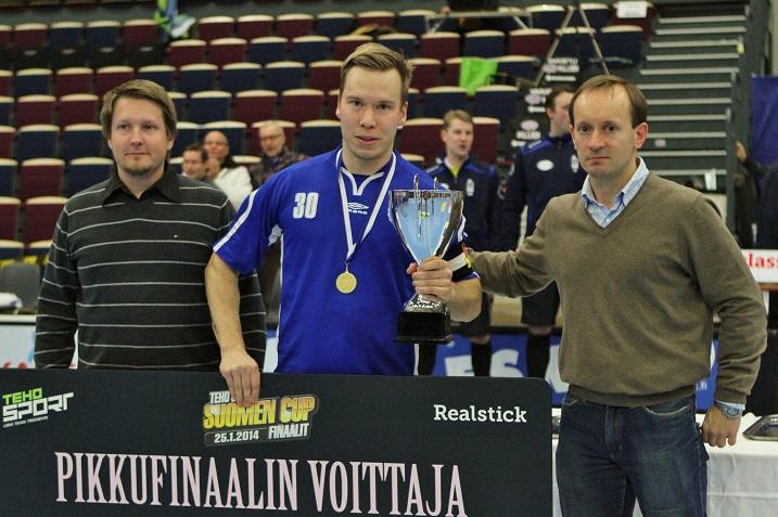 Petri Ikonen edusti viime kaudet Erä Akatemiaa. Tammikuussa 2014 Ikonen ja Erä Akatemia voittivat Suomen Cupin pikkufinaalin. Arkistokuva: Salibandyliiga