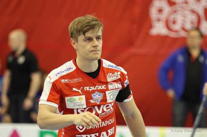 Ville Kuusela iski tehot 1+3 NST:tä vastaan. Kuva: Juha Käenmäki