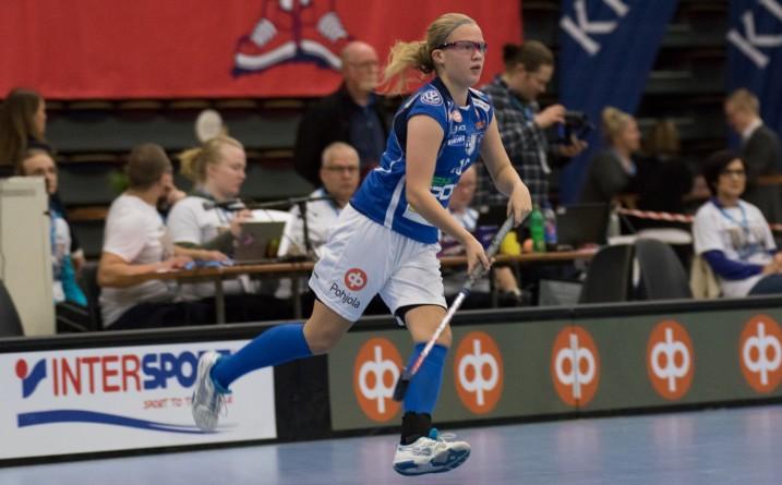 Veera Kauppi iski yhden Suomen neljästä maalista tappiollisessa MM-kenraalissa. Kuva: Salibandyliiga
